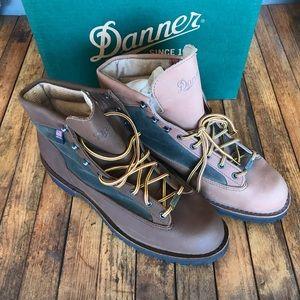 New Danner boots Light Timber 30449